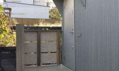 1000万円のハーフビルドの家 (ハーフビルドの家 ポーチ)