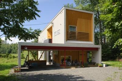 富良野の自然に囲まれた暮らし O邸 (富良野の自然に抱かれて、家族5人の豊かな暮らしがあります)