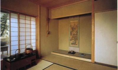 スタジオ鳥村ビル (和室はこんな感じで、10階とは思えません。)
