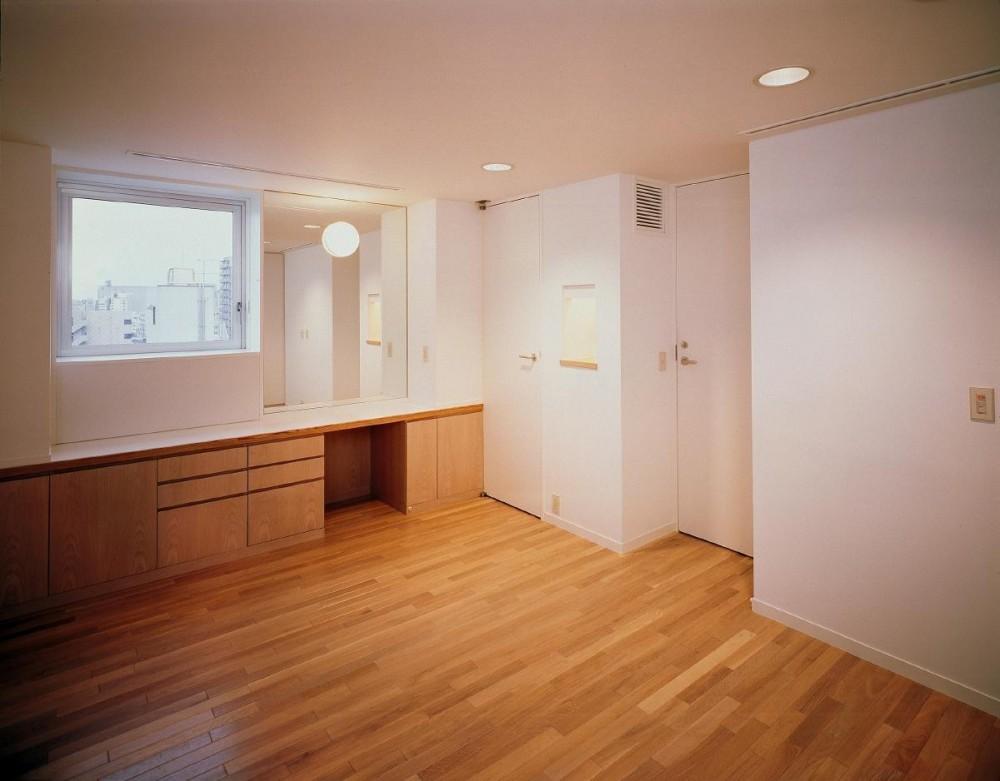 スタジオ鳥村ビル (8階寝室です。)