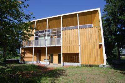 富良野の牧場に建つ 癒しの住まい F邸 (双子のお子さんと、牛500頭 北海道の牧場暮らし)