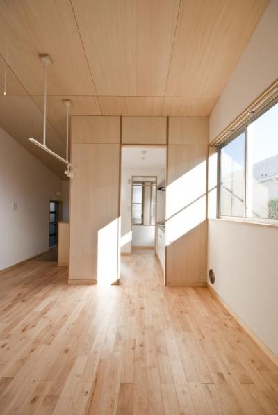 荻窪テラスハウス・アールグレイ (別の部屋です。視界も、陽当たりもいいので、開口の扱いを変えています。)