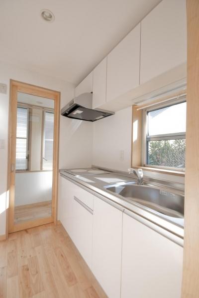 荻窪テラスハウス・アールグレイ (の部屋です。視界も、陽当たりもいいので、開口の扱いを変えています。)