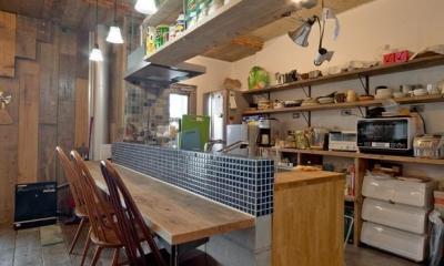 1ROOM仕立てのカリフォルニアスタイルリノベーション 夏風添え (ダイニングキッチン)