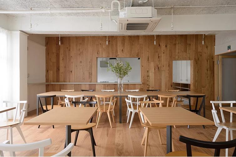 船橋のシェアハウスの部屋 会話の出来るキッチンとダイニング