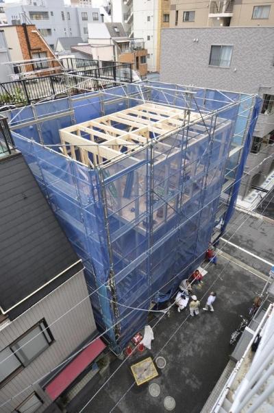浅草橋木造耐火アパート ストゥディオ・アマナ (3階建て上棟時の写真です。)