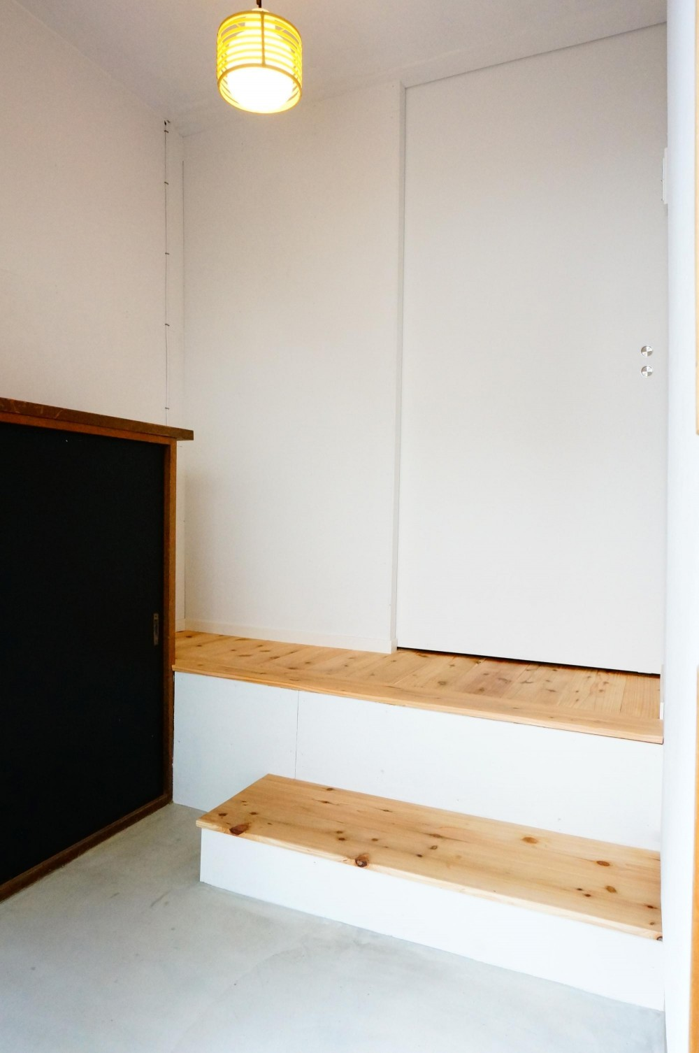 麻布の長屋リノベーション (玄関)