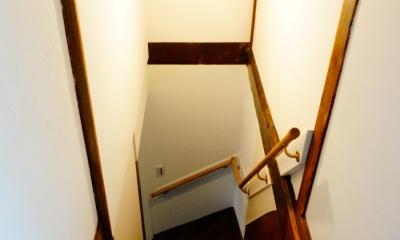 麻布の長屋リノベーション (階段)