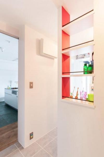 洗面所 (H邸-渋谷方面が見下ろせる、抜けのある眺望を生かす)