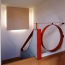 階段ホール 間接照明の部分は絵画用