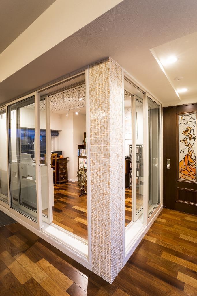 リノベーション・リフォーム会社:QUALIA「開放的な音楽スタジオを備えたタイルで彩られた空間」