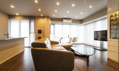 高層階の大空間で上質なインテリアを楽しむタワーマンションの暮らし