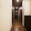 高層階の大空間で上質なインテリアを楽しむタワーマンションの暮らしの写真 廊下
