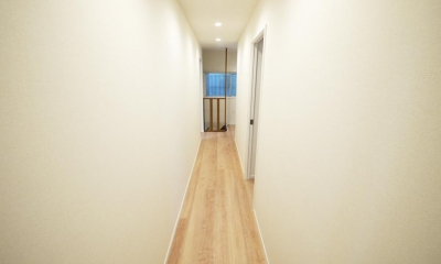 木造アパートを2LDKの一軒家へフルリノベーション (廊下)