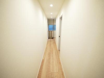 廊下 (木造アパートを2LDKの一軒家へフルリノベーション)