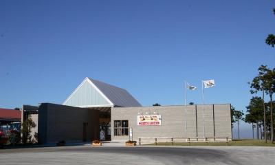マザー牧場・ファームステーション (アプローチの感じは周りの殺風景な感じに合わせてました。)