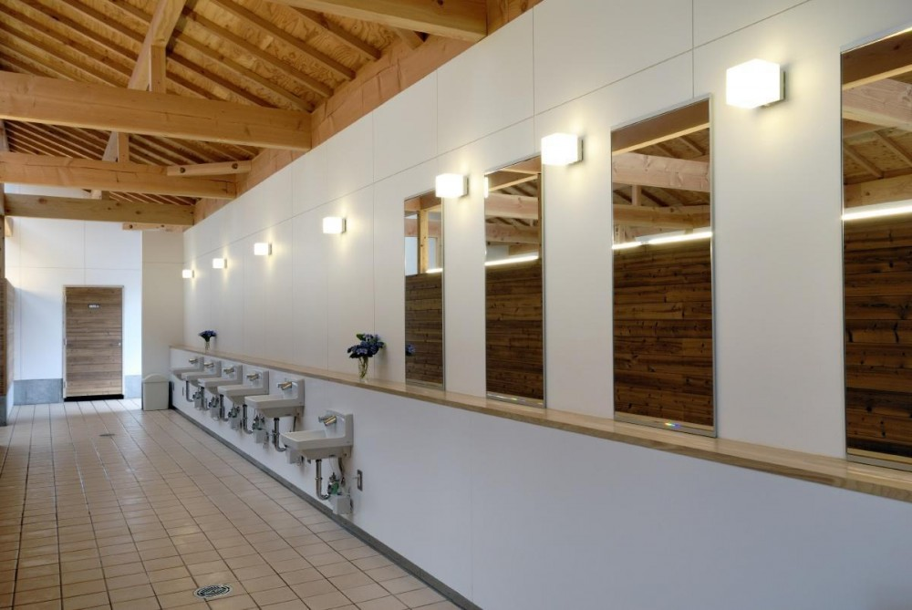 マザー牧場・まきばトイレ (女子トイレ内部です。)