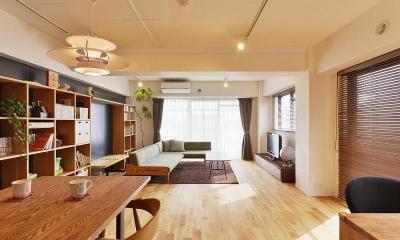 MUJIの家具で最初から計画する 子どもを見守る間取りと自然素材の家 (リビング)