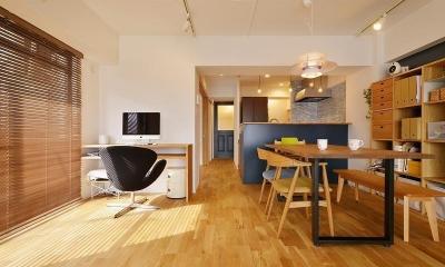 MUJIの家具で最初から計画する 子どもを見守る間取りと自然素材の家 (LDK)