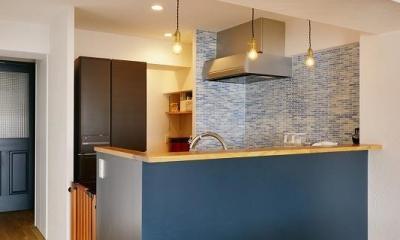 MUJIの家具で最初から計画する 子どもを見守る間取りと自然素材の家 (キッチン)