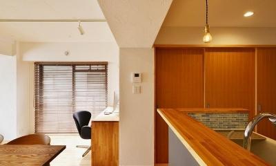 MUJIの家具で最初から計画する 子どもを見守る間取りと自然素材の家 (引き戸 仕切り)