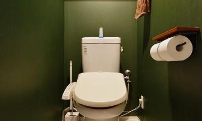 MUJIの家具で最初から計画する 子どもを見守る間取りと自然素材の家 (トイレ)