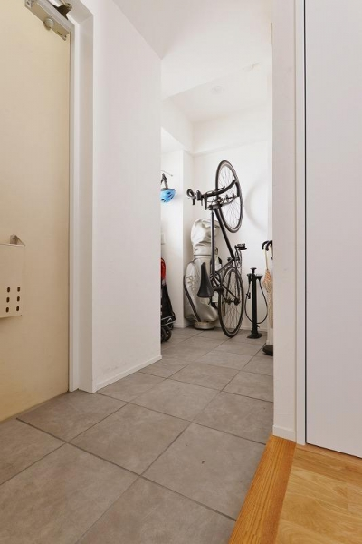玄関 土間 (MUJIの家具で最初から計画する 子どもを見守る間取りと自然素材の家)