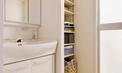 MUJIの家具で最初から計画する 子どもを見守る間取りと自然素材の家 (洗面)