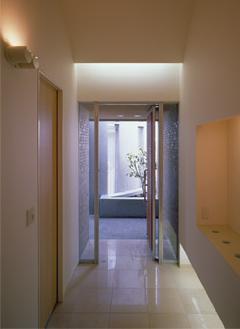 カーサカーラY邸の部屋 開放的な玄関