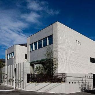 奈良登美ヶ丘F邸の写真 セキュリティとプライバシーを確保しながら開放的な外観