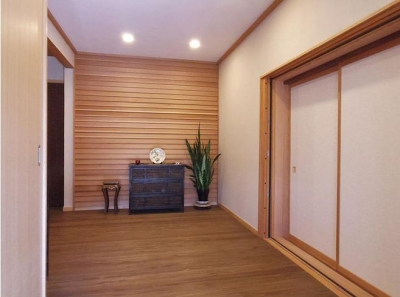 神山の家 (玄関ホール)