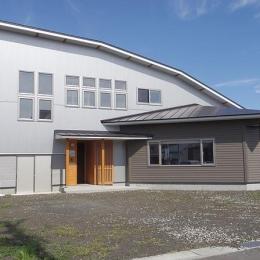 小坂渡ノ羽の家 (南側外観)