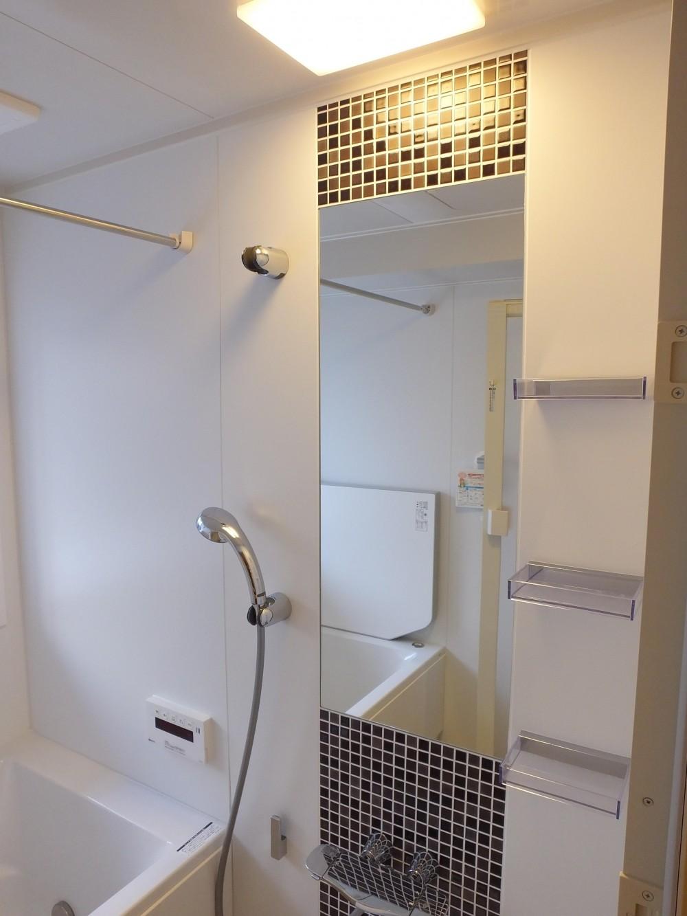 ホテルのような都会的でシンプルな内装を我が家に。 (シンプルなバスルーム)