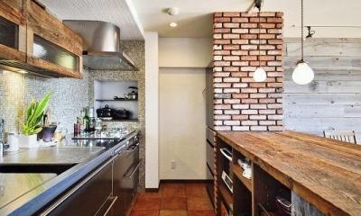 遊び心のある大人のシャビーな空間 (キッチン)