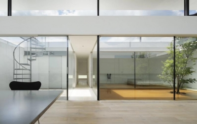 Living (SI-house_薄い屋根と水盤と一体になる家)