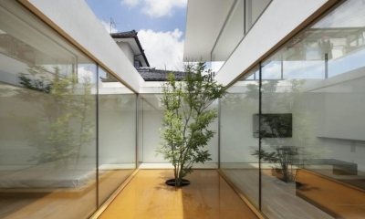 SI-house_薄い屋根と水盤と一体になる家 (Water garden)