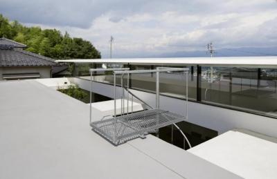 SI-house_薄い屋根と水盤と一体になる家 (Roof)