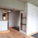 LDKと個室がゆるやかにつながるリラックス空間の写真 オープンな2つの個室