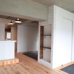 オープンな2つの個室 (LDKと個室がゆるやかにつながるリラックス空間)