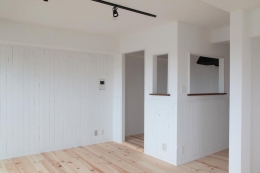 オーシャンビューも楽しめるリゾートのような空間 (リビングと繋がりのあるキッチン)