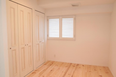 オーシャンビューも楽しめるリゾートのような空間 (玄関を入って正面にある納戸)