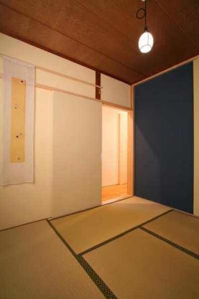 落ち着きのある和室 (引戸でつながる 部屋が広がる)