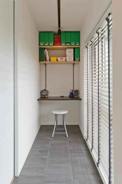PCコーナー (赤レンガの桜並木を望む角部屋に「かっこいい」を集めたお気に入りの住まい。)