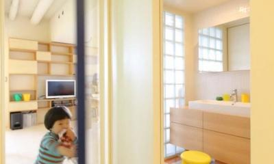 光あふれる明るい洗面室|マンションの間取りの不満を解決! 光あふれるフラットな空間に
