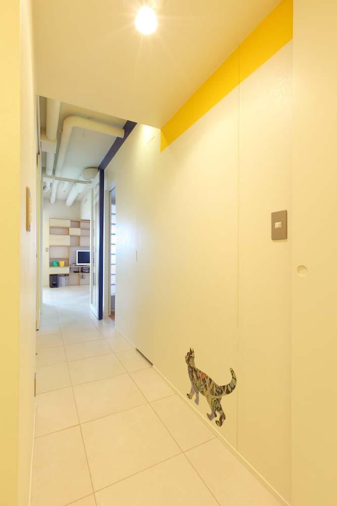 マンションの間取りの不満を解決! 光あふれるフラットな空間に (廊下)