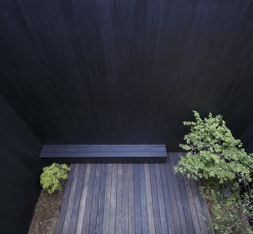 給田の家の部屋 給田の家 中庭