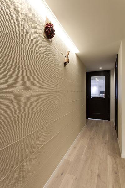 廊下 (家族団欒と子どもの成長が楽しみな住まい)