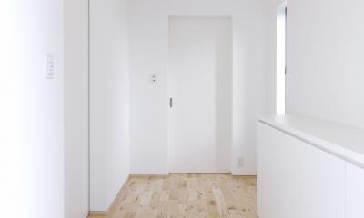F.Flat+L -共働きのための平屋住宅- (玄関)