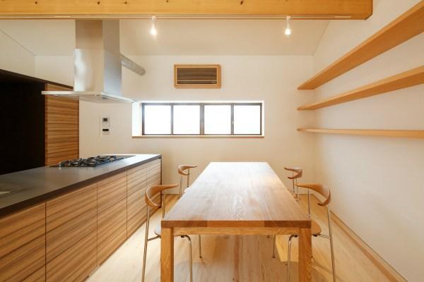 大野台の家 (料理好きな家族が使いやすく集えるキッチン)
