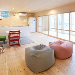 瀬戸八王子の家 (縁側と一体感のあるリビング)